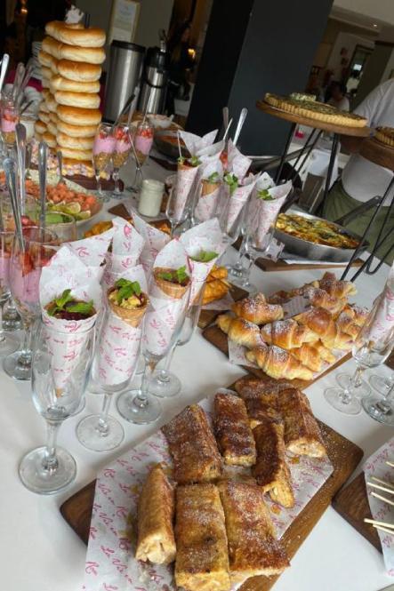 KCC La Vie en Rose - FlowerCrowns & Treatment Restaurant Review